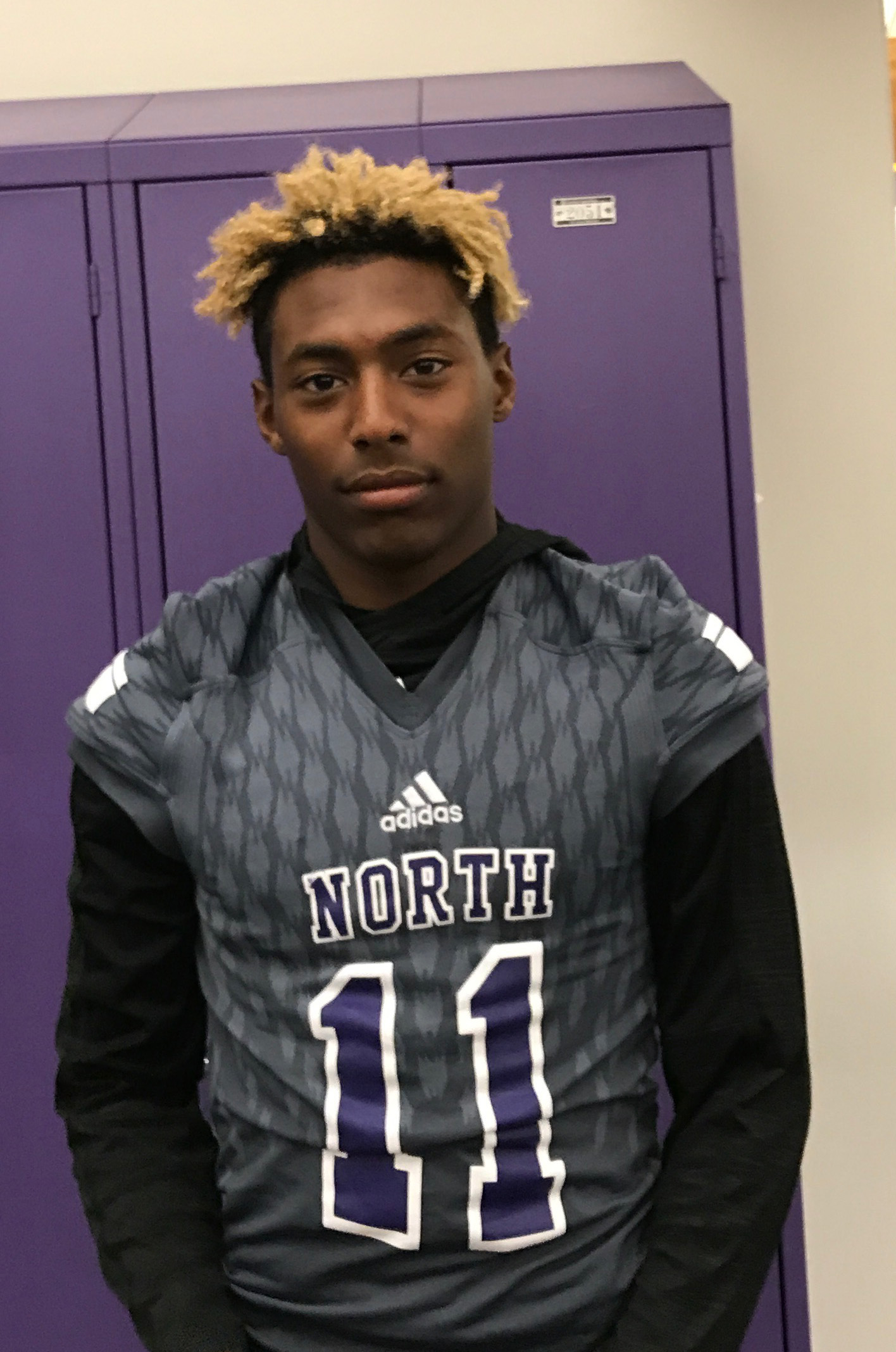 The St.Louis Post Dispatch recently named senior wider receiver and defensive back Jason Hawkins Player of the Week. His recent performance is a rarity, scoring four touchdowns in every aspect of the game.