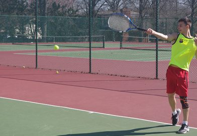Various Tennis Clubs Offer Discounts for Parkway Students