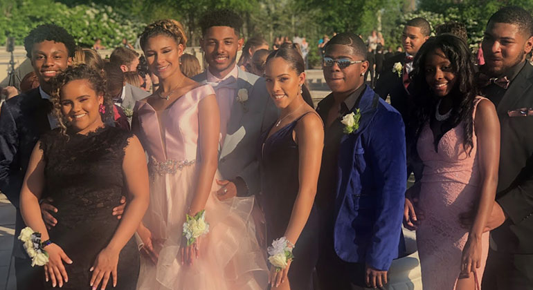 Parkway North Students Celebrate Prom 2018